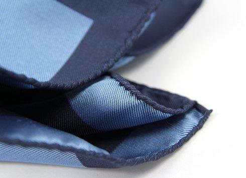 granat z niebieskim