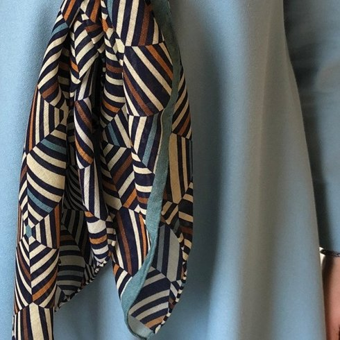 Woolen kaleidoscope scarf 110 cm