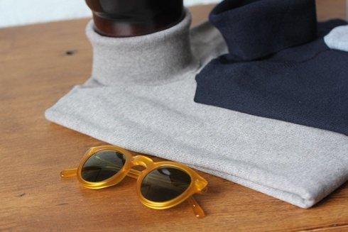 light merino wool turtleneck navy