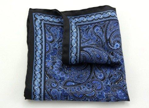 niebieski paisley na czarnym tle