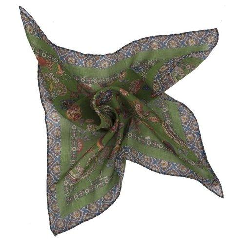 Zielona poszetka z motywem zwierzęcym bawełna z kaszmirem 40 cm